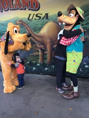 goofy-pluto-hugs